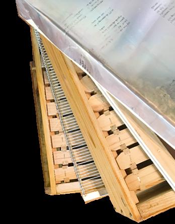 Beekeeping Tools / Material